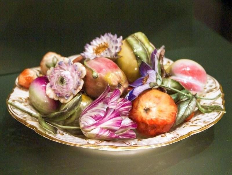 Wildon's craft with decorative ceramic fruits and vegetables. English art ceramics