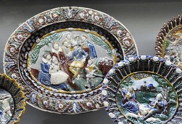 Dishes with ceramic reliefs. Bernard Palissy