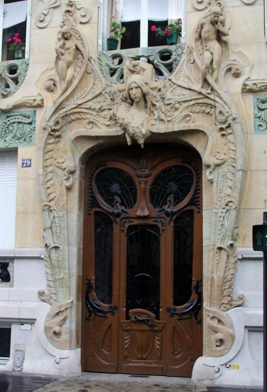 Entrance to Lavirotte's House on Rapp Street, 29