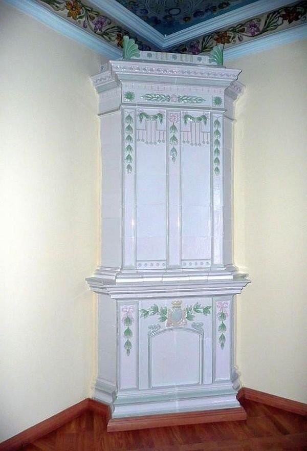 Abo tiled stoves in Plotnikova's house in Arkhangelsk