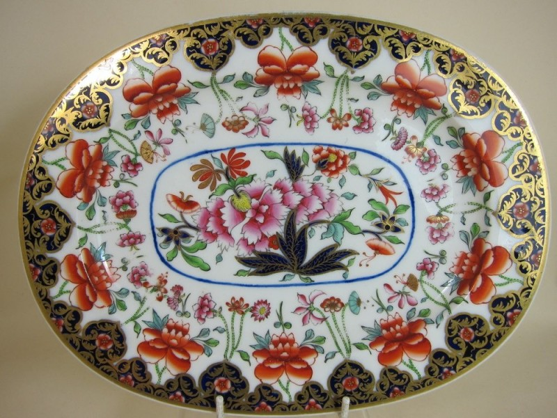 A dish in Chinese style, Worcester. 1825