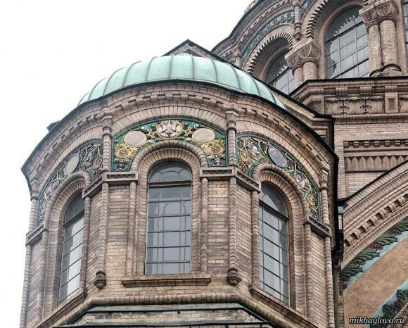 Ceramic additions on window kokoshiks. Kronstadt Naval Cathedral
