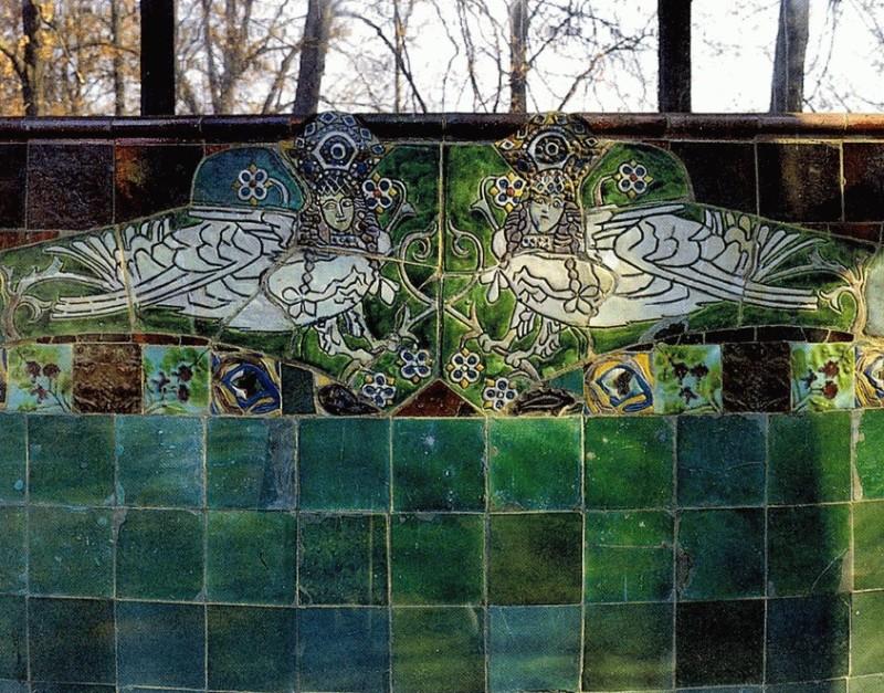 Majolica bench made by Vrubel in Abramtsevo