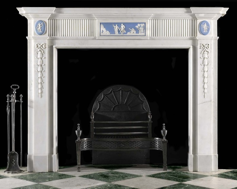 Georgian english fireplace in classicist style with Wedgwood bas-reliefs
