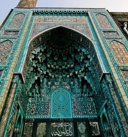 Vaulin's majolica in Cathedral Mosque. St-Petersburg