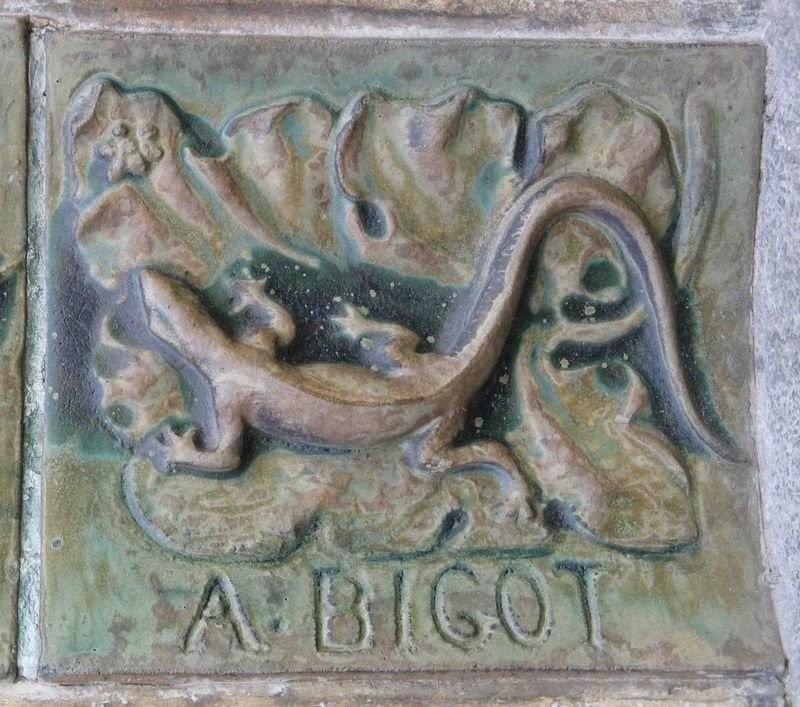 Ceramic decor with Bigot's label