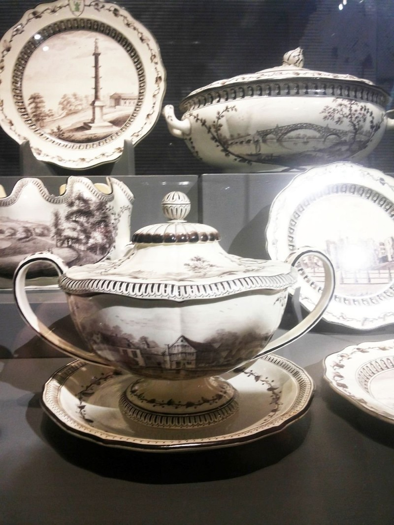 Service Set with a Green Frog items. Wedgwood. 1773, State Hermitage