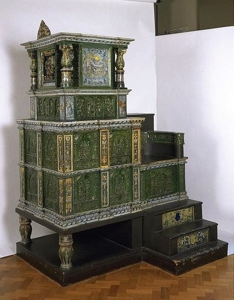Kraut's ceramic stove in the Museum of Victoria and Albert, 1577. Relief faience tiles, lead glazes