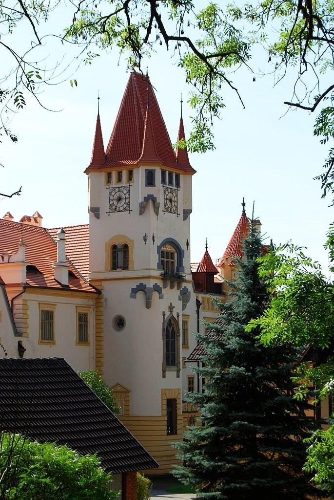 Zinkovy Castle, antique tile stoves
