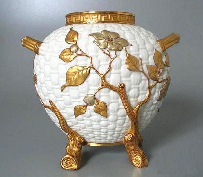 Worcester factory porcelain. 1882. English art ceramics