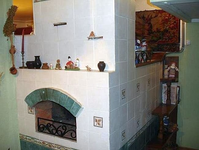 Tile-clad Russian stove