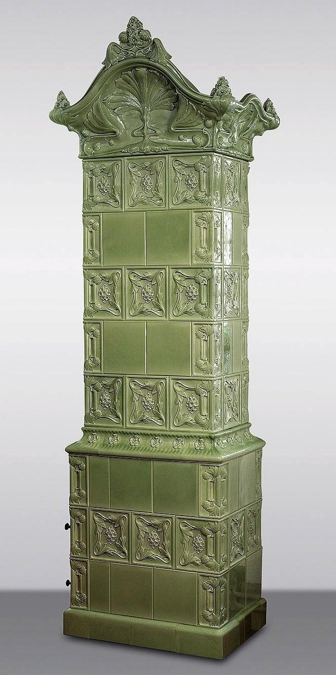 An Art Nouveau stove made by Carl Teichert's Meißner Ofenfabrik. 1900