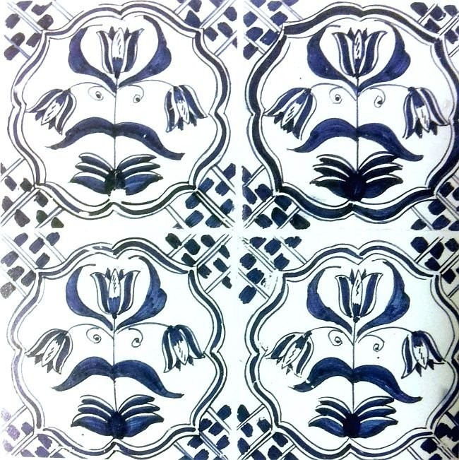 Floral motifs on tiles. Delft, 17th century