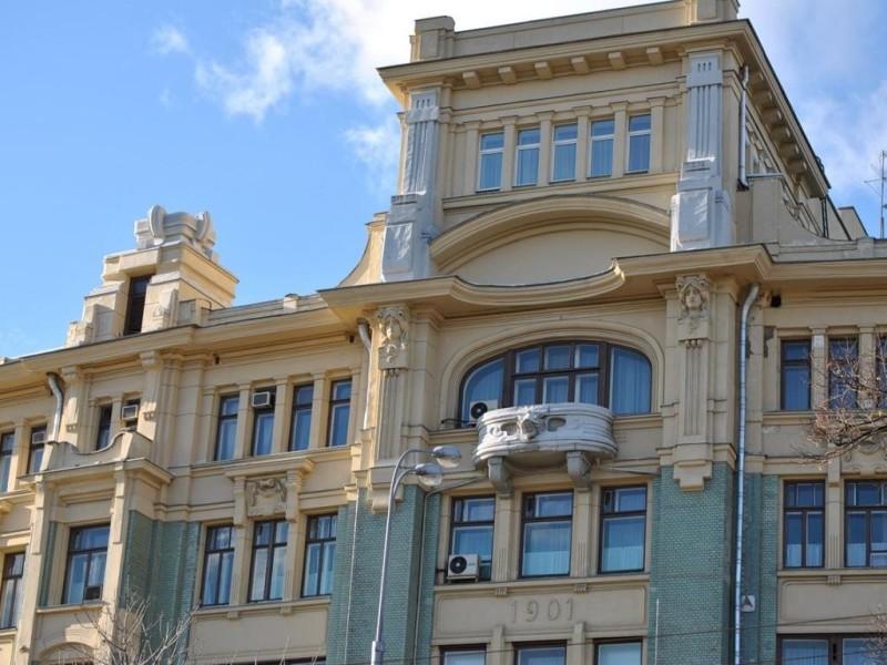 Boyarsky dvor hotel (1901-1903, F. O. Schechtel)
