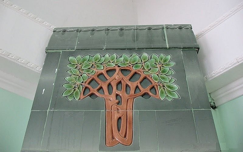 Art Nouveau tiled stove in Samara, produced by the world famous Meissen porcelain manufactory