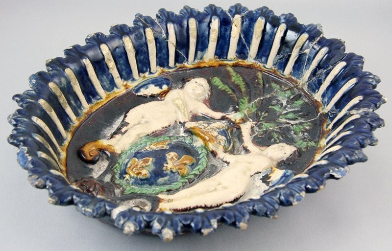 A celebratory dish with grotesques, made for Henry IV's coronation. Palissy, 1553