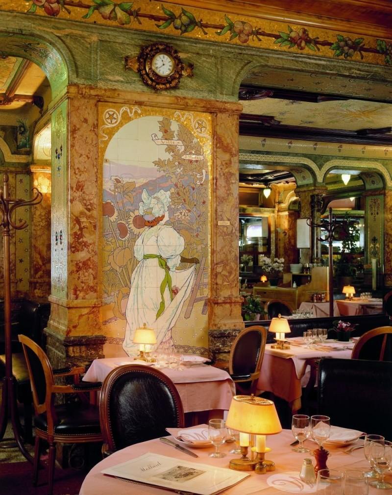 Ceramic mural in Mollard brasserie restaurant