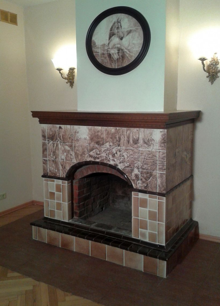 English-style tiled fireplace