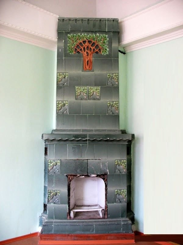 Art Nouveau tiled stoves in Samara, produced by the world famous Meissen porcelain manufactory