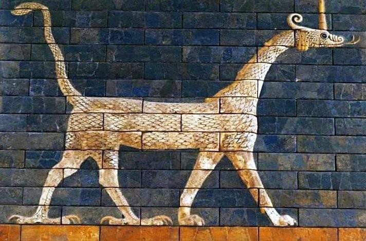 A sirrush (or mushkhushshu [mush-khush-shu]) on Ishtar Gate, glazed brick. Babylon, year 580 BC. Ceramic