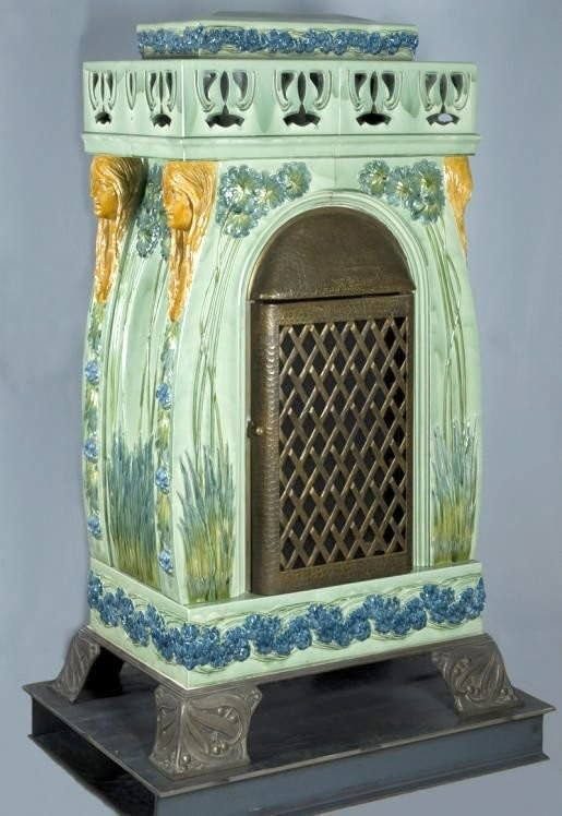 Art Nouveau tiled stove in Karlsruhe
