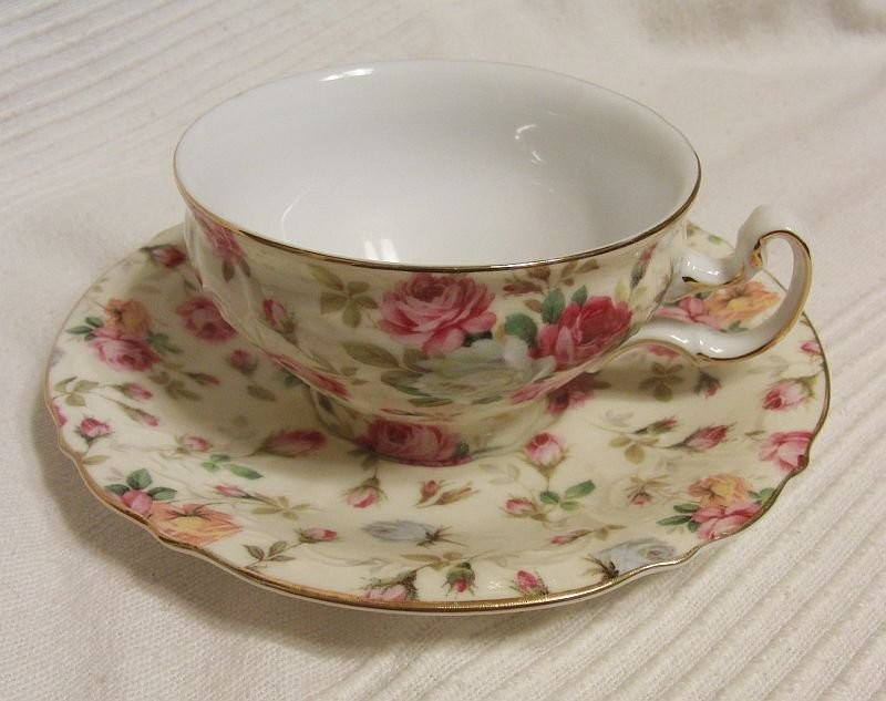 Staffordshire porcelain with a characteristic English motif