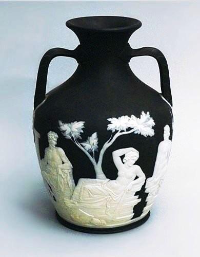 Portland basaltware vase, Wedgwood. 1795