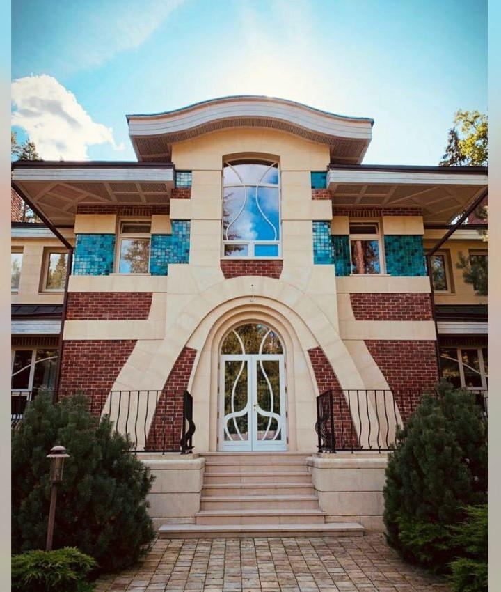 Emerald ceramic tiles for facade