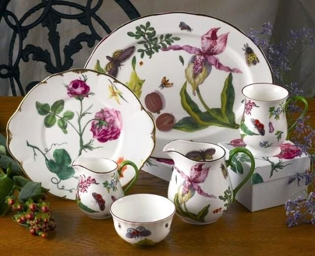 Porcelain service set. Wedgwood